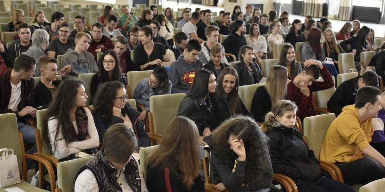 Heves megyei középiskolásokat látott vendégül az egyetem