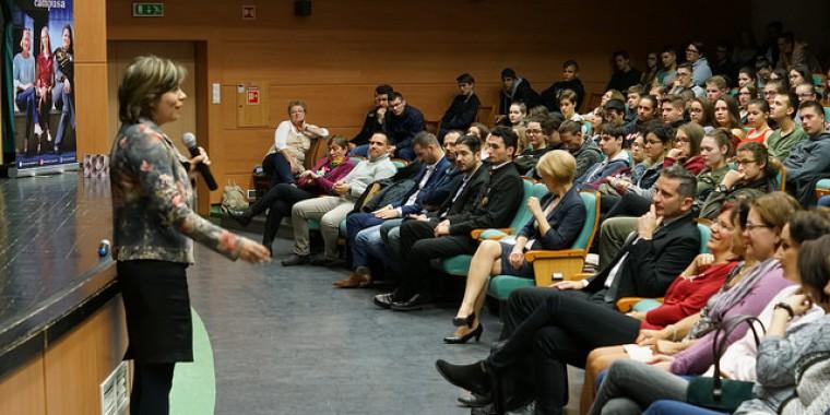 Idén is Avasi Nap volt az egyetemen, és az egyetem is ellátogatott az Avasi Gimibe